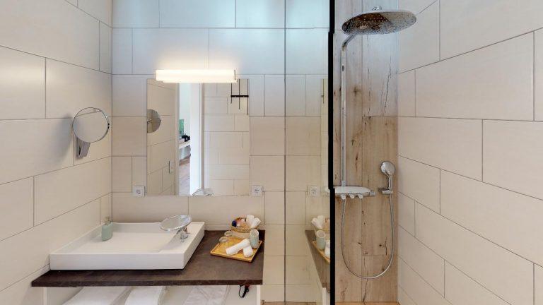 Weinschmiede-18-Zimmer-Pool-Sauna