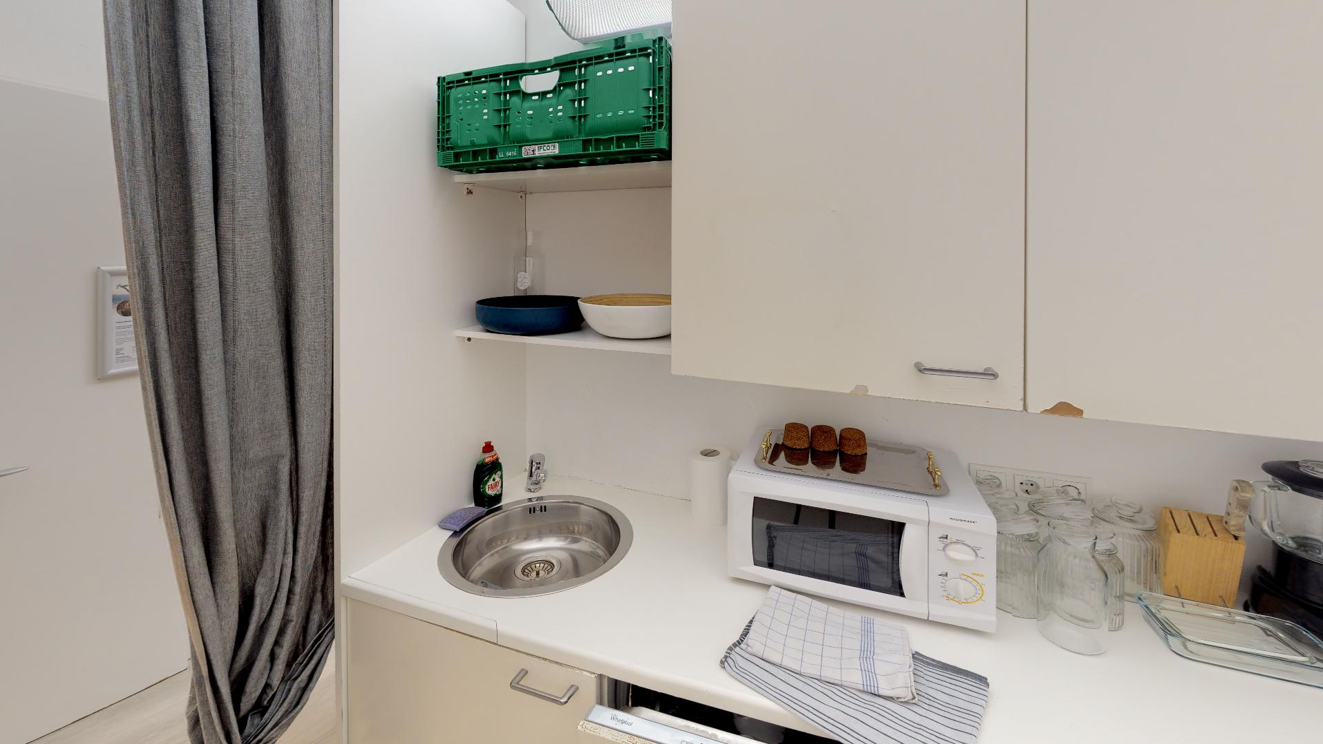 Home-Of-Health-Graz-Kitchen